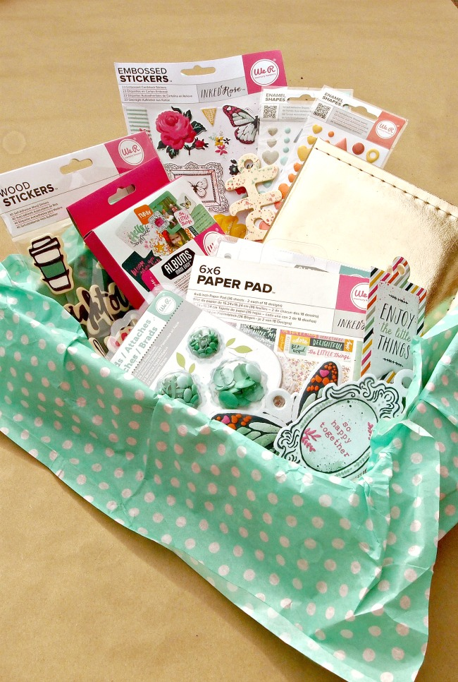 Create this Custom Instagram Scrapbook Kit for your crafty tween or teen this Christmas and watch their creativity bloom!