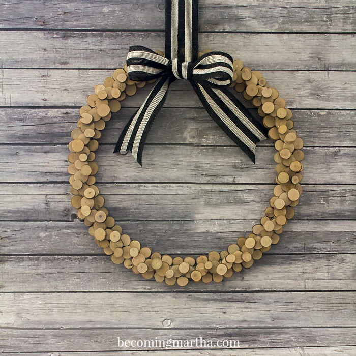 Mini Wood Slice Wreath