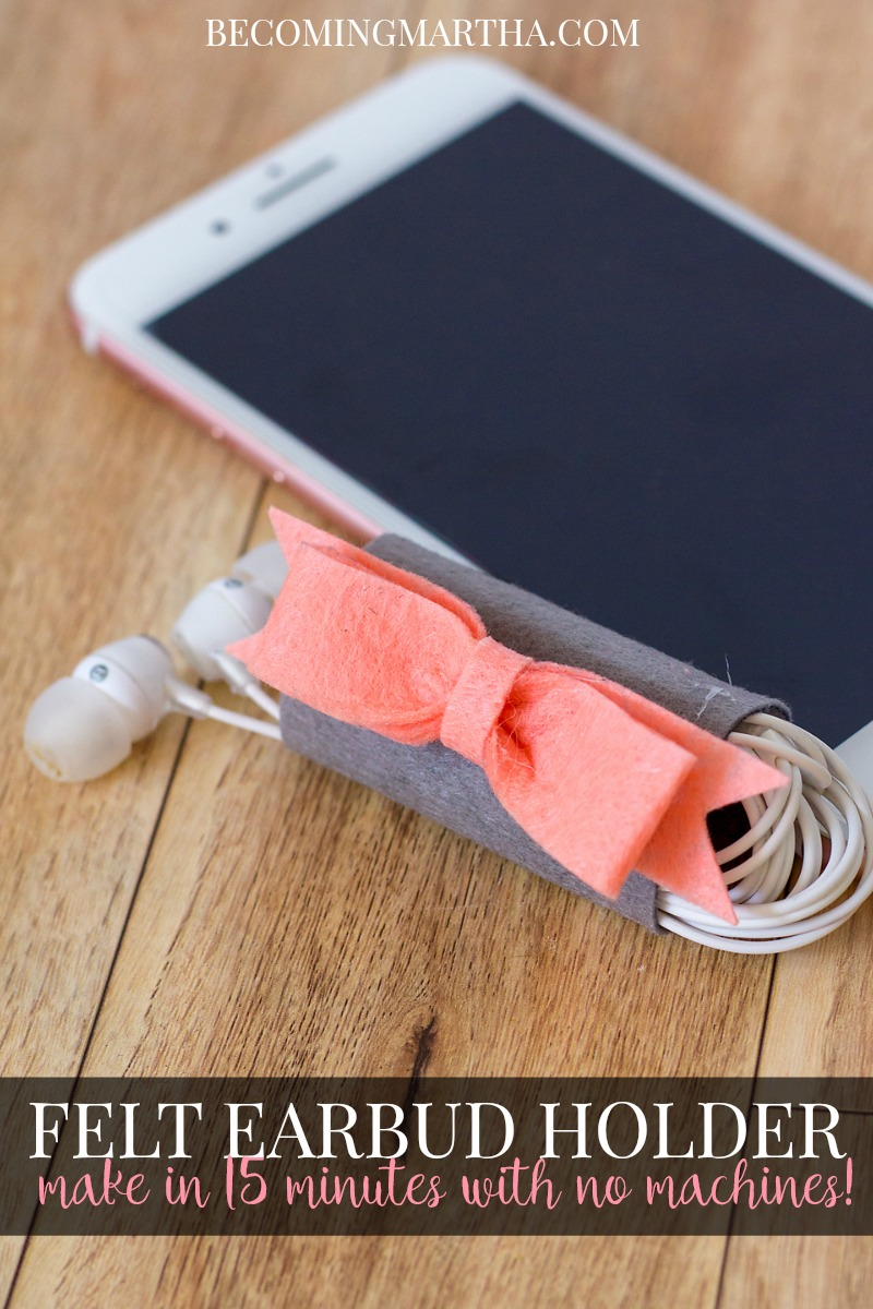15 Minute Felt Earbud Holder